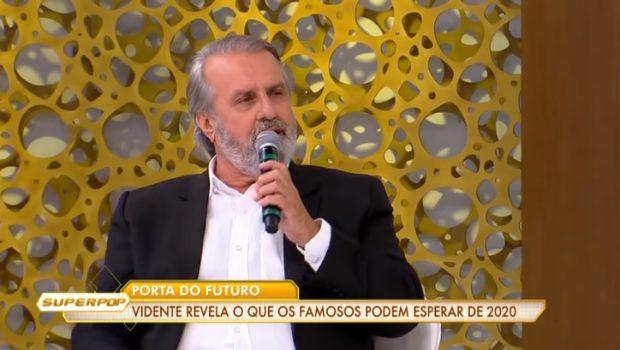 Robério de Ogum fala sobre a morte de famosos em 2020 (Imagem: Reprodução / RedeTV!)