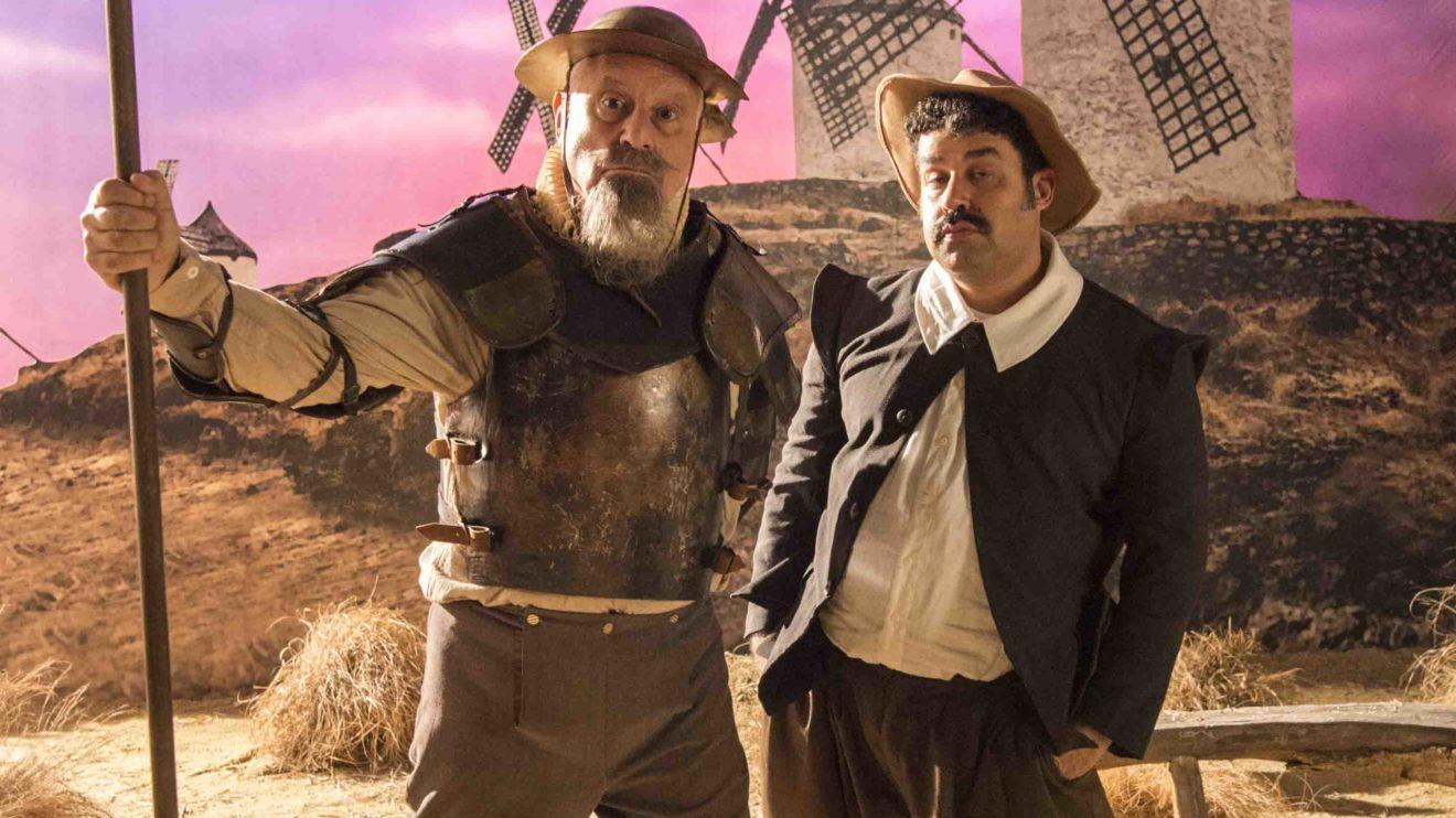 Alberto ( Antonio Fagundes ) como Dom Quixote e Batista ( Marcelo Flores ) como Sancho Pança em Bom Sucesso
