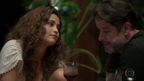 Érica (Nanda Costa) e Raul (Murilo Benício) em Amor de Mãe, a novela das nove (Foto: Reprodução/TV Globo)