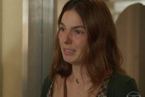 Betina (Isis Valverde) levará surra em Amor de Mãe (Foto: Reprodução/Globo)