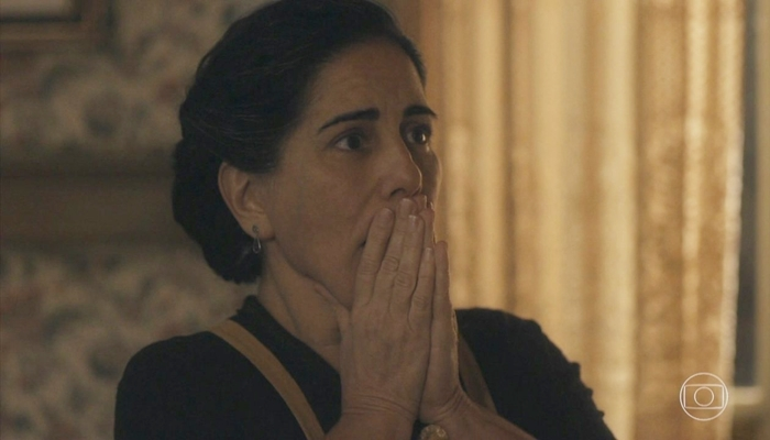 Lola (Gloria Pires) enfrentará problemas com os filhos em Éramos Seis e ficará arrasada (Foto: Reprodução/Globo)