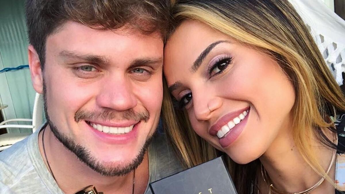 Paula Amorim e Breno Simões, do BBB18, anunciaram que vão se casar (Foto: Reprodução)