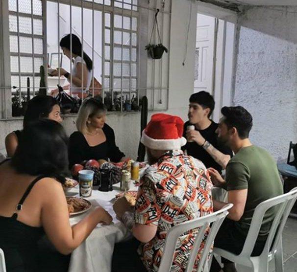 O famoso ator da Globo ao lado de amigo no Natal (Foto: Reprodução/Instagram)