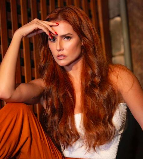 Deborah Secco inova no visual e surge ruiva para novo papel na Globo. Foto: Reprodução