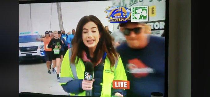 Repórter é assediada ao vivo por homem (Foto: Reprodução)