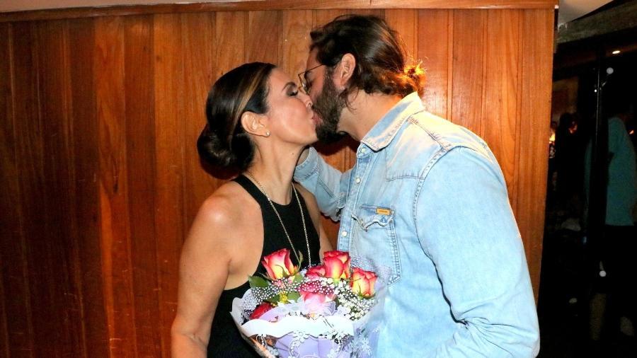 william bonner Fátima Bernardes e Túlio Gadêlha se beijam após apresentação de ballet Imagem: ROGERIO FIDALGO/AGNEWS