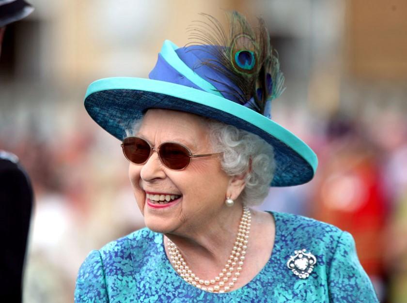 Rainha Elizabeth oferece salário milionário para cuidarem de suas redes sociais (Foto: Reprodução)