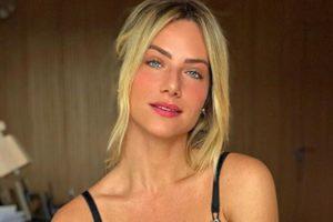 A famosa modelo e esposa do ator da Globo Bruno Gagliasso, Giovanna Ewbank causou comoção ao compartilhar fotos do primeiro aniversário do seu filho mais novo, Bless ao seu lado (Foto: Reprodução/Instagram)