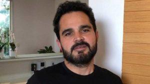 Luciano Camargo leva puxão de orelha (Foto: Reprodução)