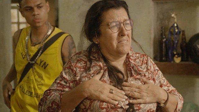 Lurdes se meterá em perigo por conta de Sandro em Amor de Mãe (Imagem: Reprodução / Globo)