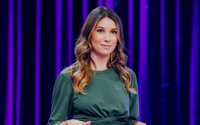 Rebeca Abravanel é apresentadora do Roda a Roda Jequiti (Foto: Reprodução/Instagram)