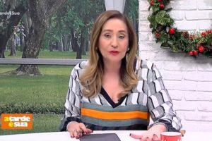 A apresentadora da Tarde É Sua da RedeTV!, Sonia Abrão voltou para o hospital na manhã desta quinta-feira para acompanhar a sua mãe (Foto: Reprodução)