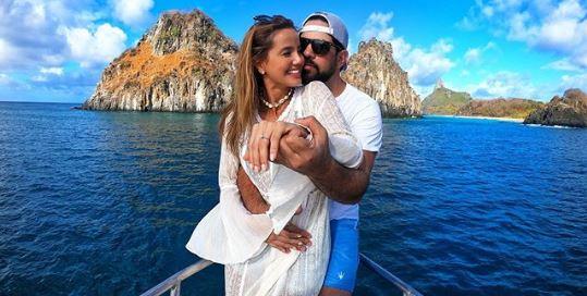 O famoso cantor sertanejo Sorocaba, da dupla Fernando e Sorocaba, anunciou hoje que a sua noiva, a modelo e Miss Biah Rodrigues está grávida de 3 semanas (Foto: Reprodução/Instagram)
