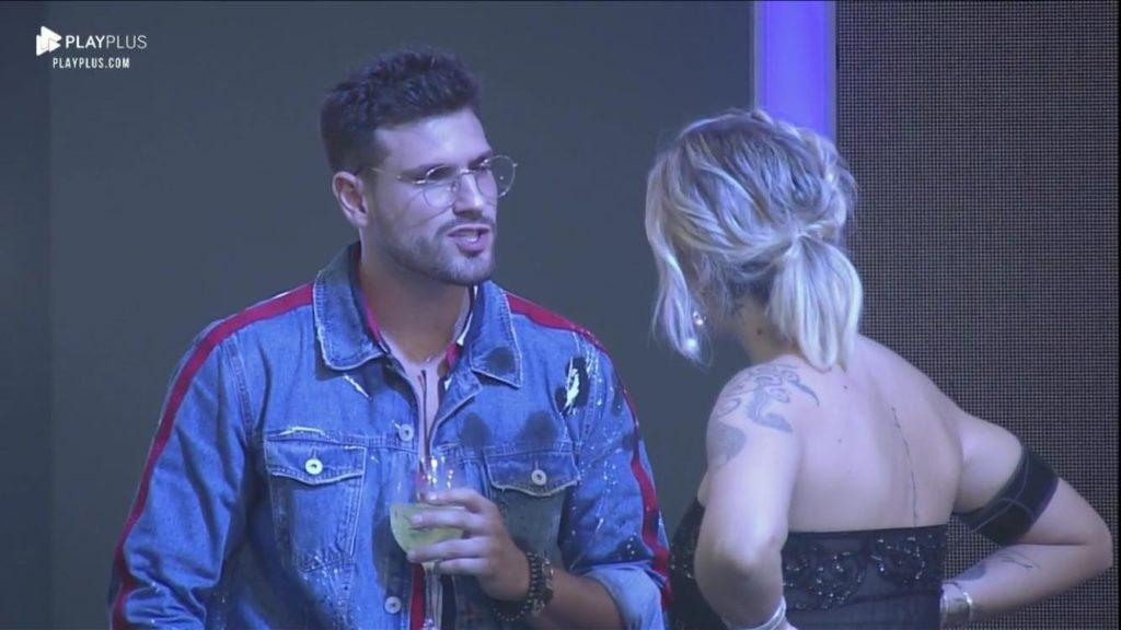 Tati e Guilherme discutindo na última festa de A Fazenda 11 da Record (Foto: Reprodução/PlayPlus)