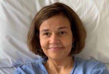 A famosa comediante da Globo, Cláudia Rodrigues é obrigada a voltar para o hospital e vai para UTI (Foto: Reprodução)