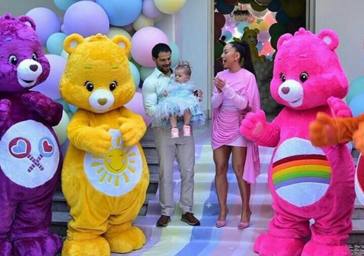Sabrina Sato organiza festa luxuosa para a filha, Zoe (Foto: AgNews)