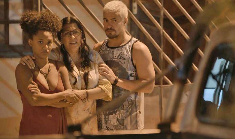 Camila e Ryan mostram a verdade para Lurdes em Amor de Mãe