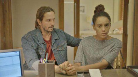 Vitória (Tais Araujo) e Davi (Vladimir Brichta) em Amor de Mãe (Foto: Divulgação/TV Globo)