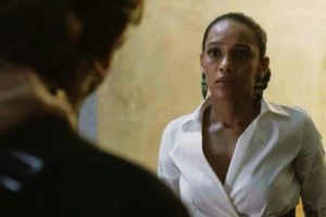Vitória, interpretada por Taís Araujo, fica encrencada em Amor de Mãe