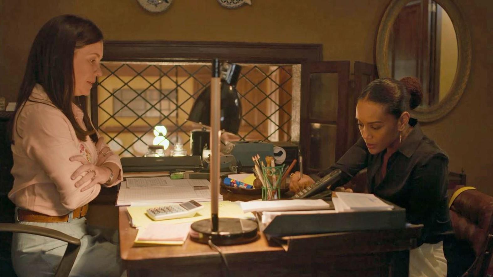 Amor de Mãe Thelma e Vitória discutem sobre venda de imóvel (Imagem: Reprodução: Globo)