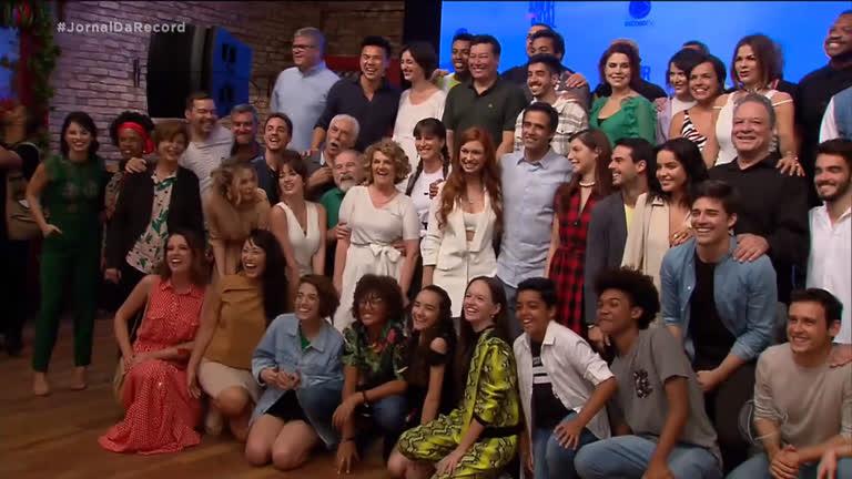 O elenco da novela Amor Sem Igual cheio de atrizes da Record (Foto: Reprodução)