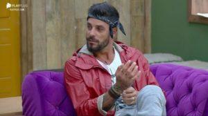 Diego não concorda com decisão em A Fazenda (Foto: Reprodução)