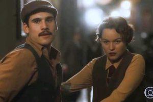 Alfredo (Nicolas Prattes) e Adelaide (Joana de Verona) em Éramos Seis (Foto: Reprodução/Globo)