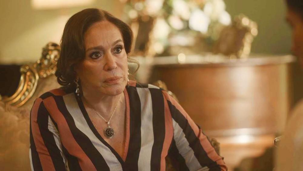 Tia Emília perderá a paciência na novela Éramos Seis