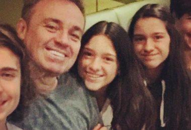 Gugu Liberato, Miriam Rose de Matteo e os filhos, Sofia, Marina e João Augusto (Foto: Reprodução/Instagram)