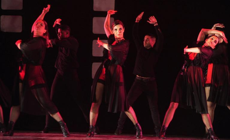 Fátima Bernardes dançou neste sábado (07) (Foto: Belicio/AgNews)