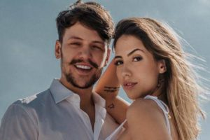 Saulo Poncio e Gabi Brandt se casaram recentemente (Imagem: Reprodução / Instagram)