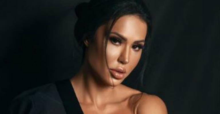 A famosa digital influencer e mulher do cantor Belo, Gracyanne Barbosa é indicada por Leo Dias para se tornar a nova apresentadora do TV Fama, da RedeTV! (Foto: Reprodução)