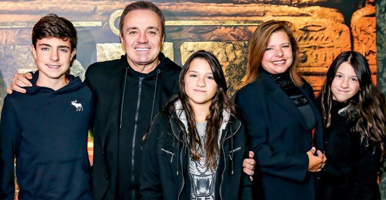 Família de Gugu (Foto: AgNews)