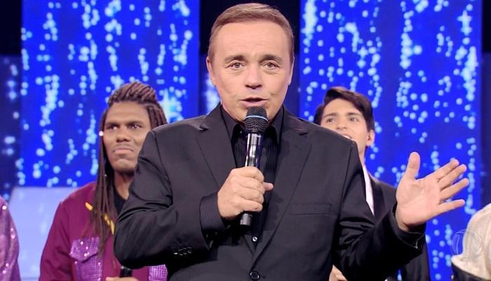 Gugu Liberato no comando da final da 2ª temporada do Canta Comigo, que teve recorde de audiência (Foto: Reprodução/Record)