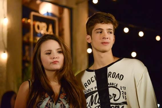 Luca e Mirela terminaram seu namoro falso na novela As Aventuras de Poliana