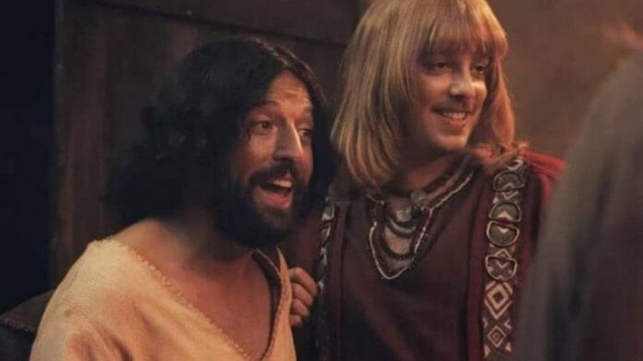 Gregório Duvivier e Fabio Porchat na esquete Primeira Tentação de Cristo, do Porta dos Fundos (Foto: Reprodução/Netflix)