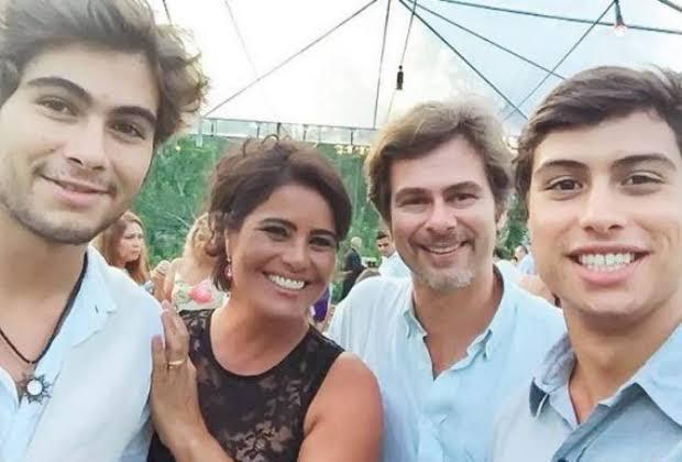 João Vitti, Valéria Alencar e filhos (Foto: Reprodução)
