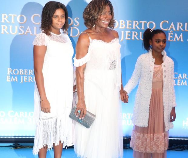 Glória Maria com as filhas, Laura e Maria (Foto: Rogério Fidalgo/AgNews)