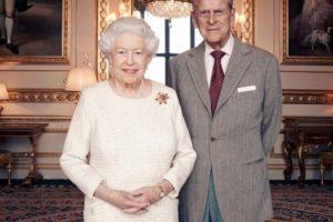 Rainha Elizabeth II e príncipe Philip viajam para a Escócia (Foto: Reprodução)