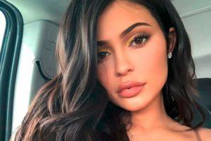 KylieJenner divulga clique apenas de lingerie e web vai à loucura (Foto: Reprodução)