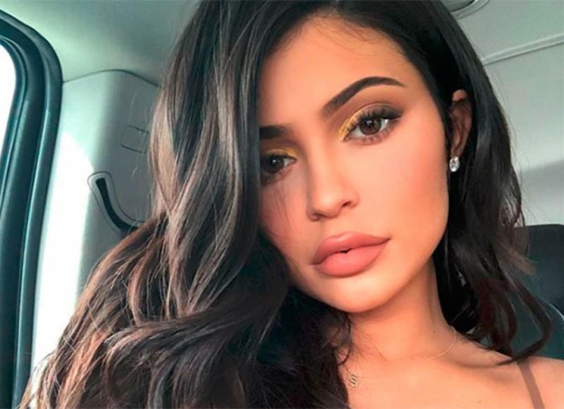 Kylie Jenner divulga clique apenas de lingerie e web vai à loucura (Foto: Reprodução)