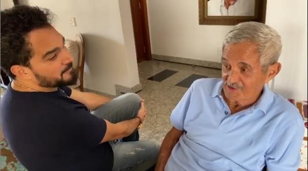 Luciano Camargo e Seu Francisco, pai do cantor. Foto: Reprodução