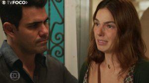 Betina fica desesperada com o encosto de Vicente em sua vida em Amor de Mãe