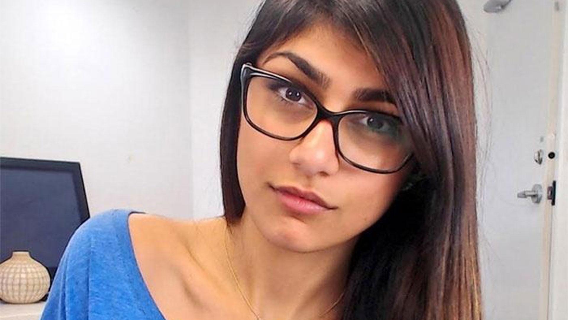Mia Khalifa, ex-atriz pornô, entrou com petição para que os vídeos sejam tirados do ar (Foto: Reprodução)