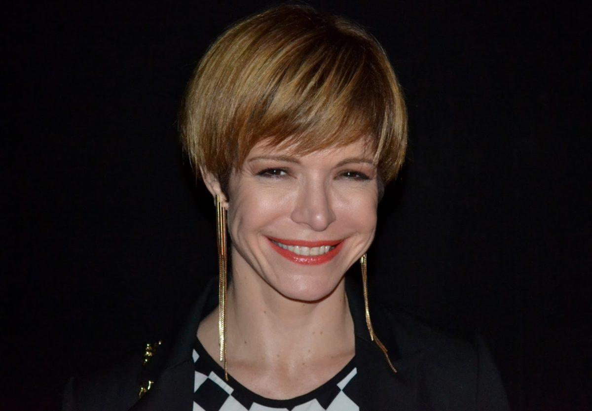 A atriz e apresentadora Babi voltou à TV no Popstar (Foto: Reprodução)