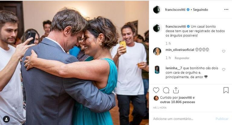 O ator Francisco Vitti se derreteu todo ao publicar mais um registro do casamento dos pais que casaram 25 anos após a união (Foto: Reprodução)