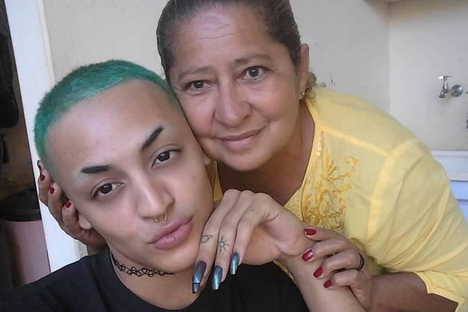 Pabllo Vittar e sua mãe Verônica (Imagem: Instagram)