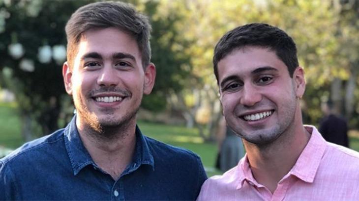 Erick Rianelli e Pedro Figueiro, jornalistas da Globo que foram vítimas de homofobia. Foto: Reprodução