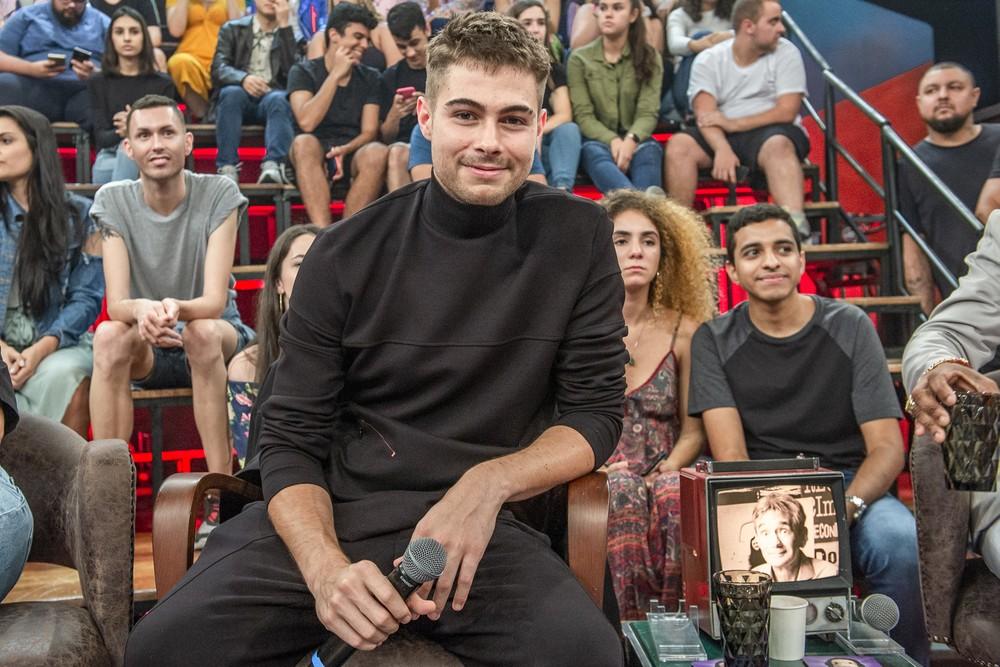 O ator Rafael Vitti falou sobre Tatá Werneck durante participação no Altas Horas (Foto: Fábio Rocha/TV Globo)