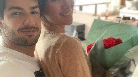 A apresentadora do Roda a Roda e filha de Silvio Santos, Patricia Abravanel do SBT, está prestes a completar um ano ao lado de seu marido, Pato (Foto: Reprodução/Instagram)